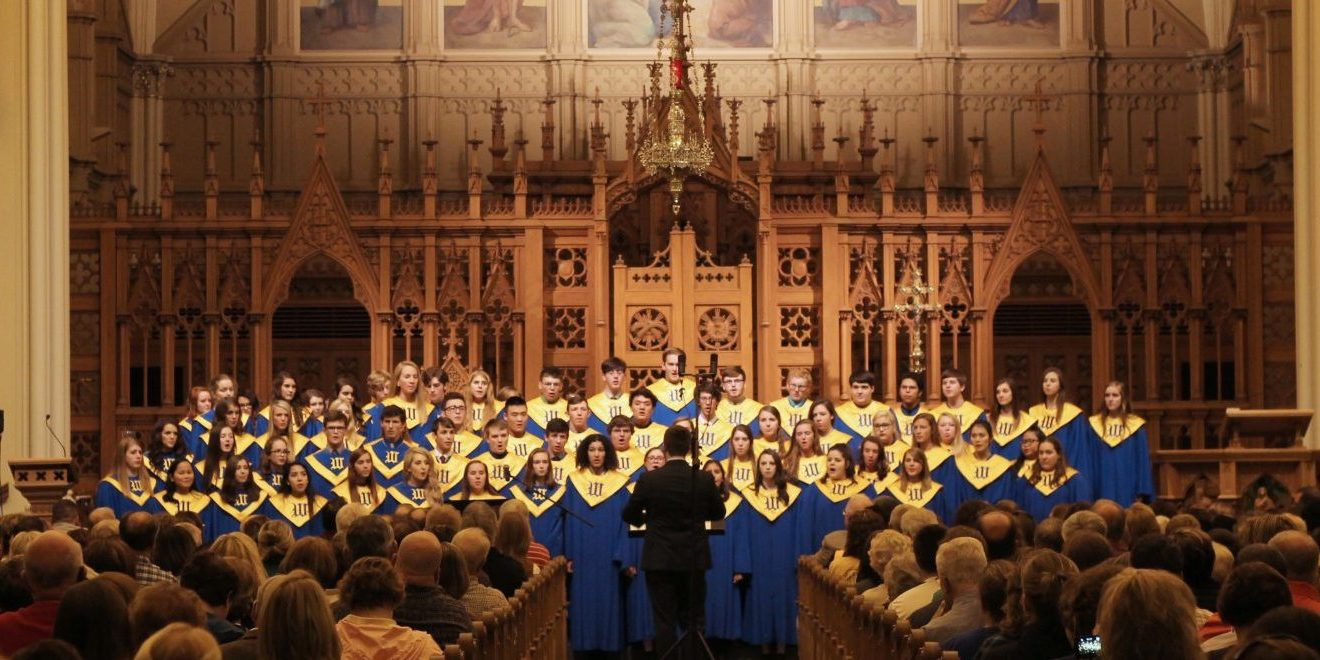 16-17 Wahlert Catholic Performance Choir_3